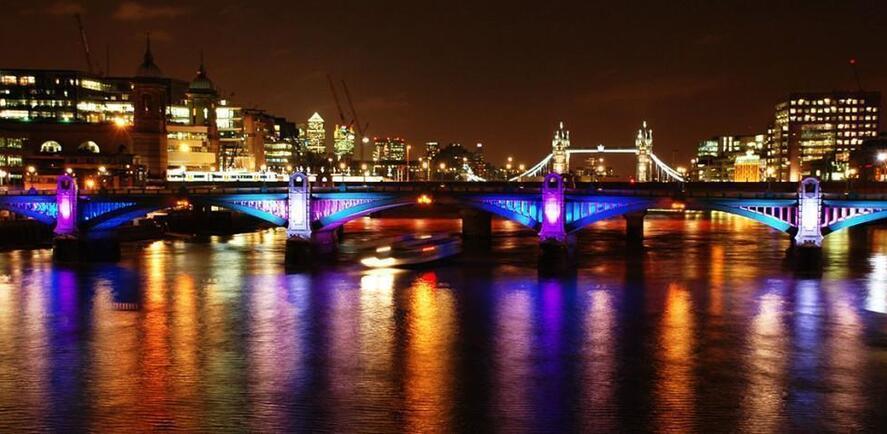 Speed dating netter i London april Bloomfield dating
